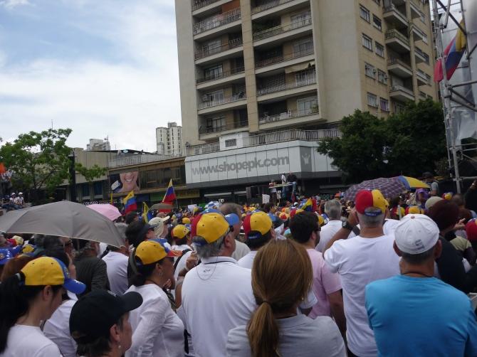 #8J Concentración en Caracas conoció #LaRutaALaSalidaConstitucional